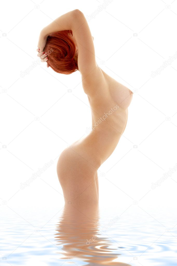 Classical nude picture of healthy redhead in water — Stock Photo #11765675