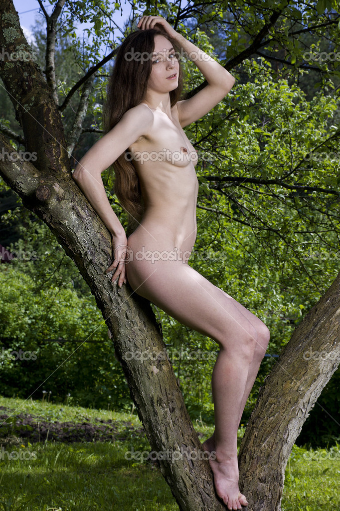 nude in tree stand